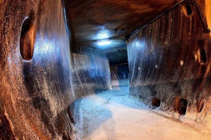 深入地球的心脏 罗马尼亚盐洞之旅